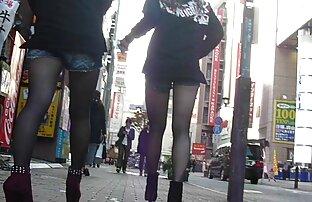 Dua gadis lesbian bermain-main di kamar download video sex japan gratis mandi-Hentaixxx