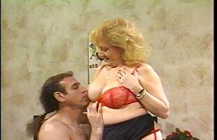 Harimau Sabrina bokep son japanese Sousa mengirimnya ke sebuah dildo dipasang di mesin.